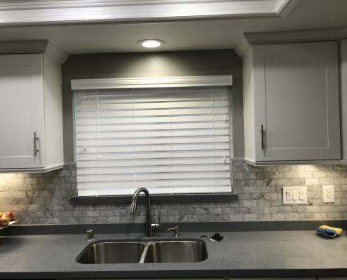 wood-blind-kitchen